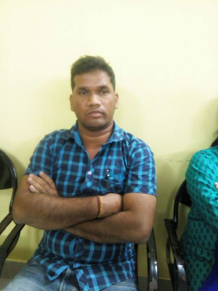 Tehsil-Clerk-arrested while taking bride