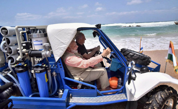 israel-gift-india-a-jeep-converting-salty-water-to-drinking-water