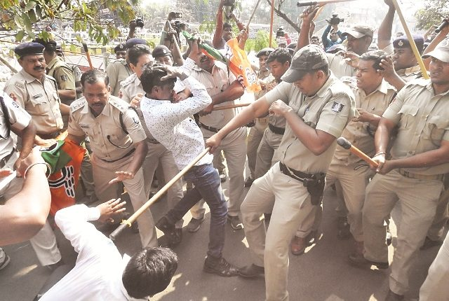 police-bjp-member-face-to-face